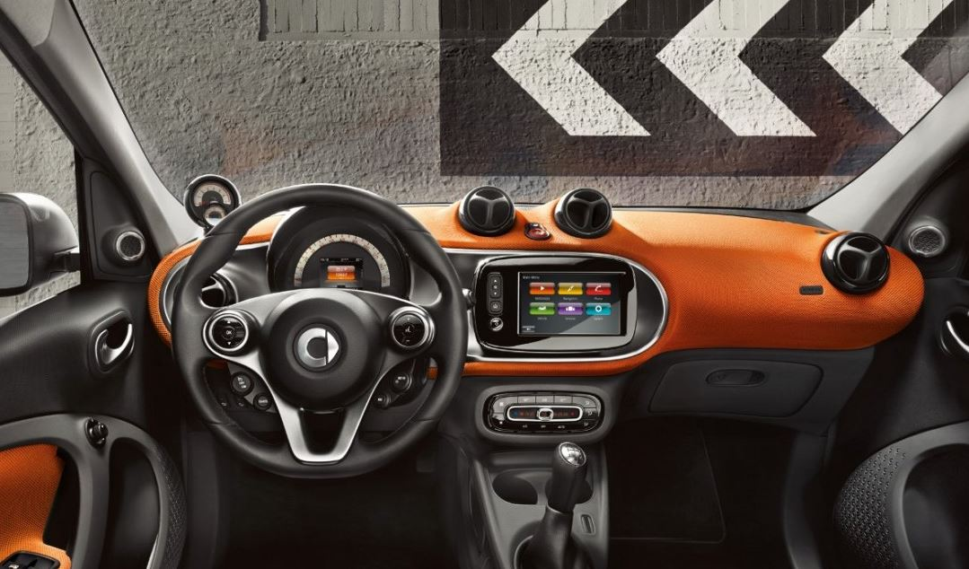 La nouvelle smart forfour r solument citadine for Smart interieur